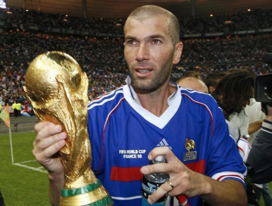 Zinedine zidane une jeune l gende du football - Le monde du convertible ...